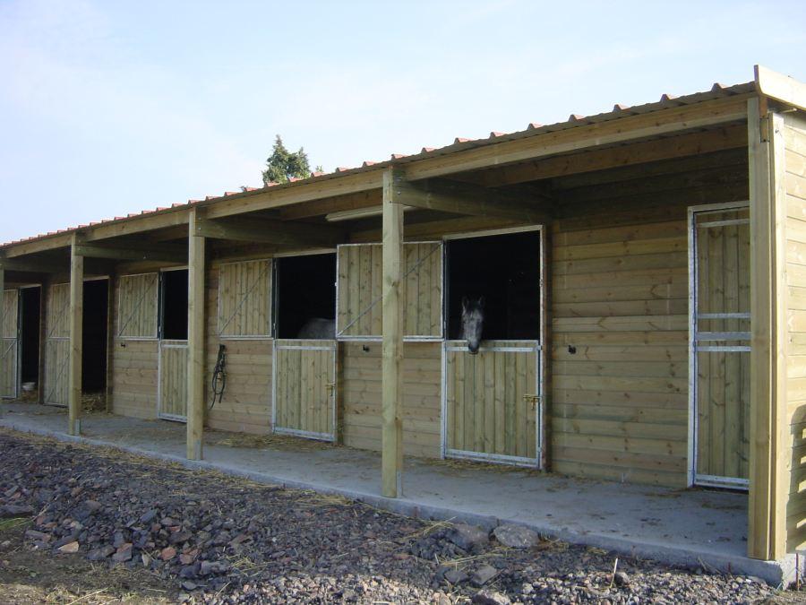 prix box en bois pour chevaux vente abri bois cheval pas. Black Bedroom Furniture Sets. Home Design Ideas