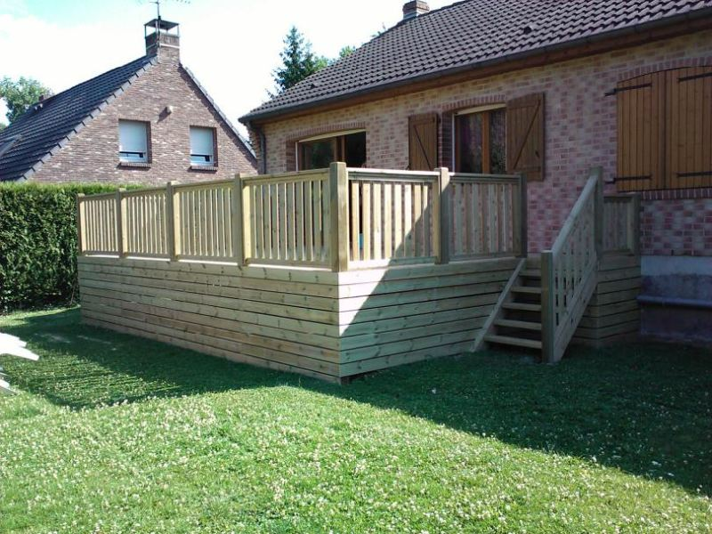 Terrasses en bois composite construction terrasse bois for Lame de terrasse ipe pas cher
