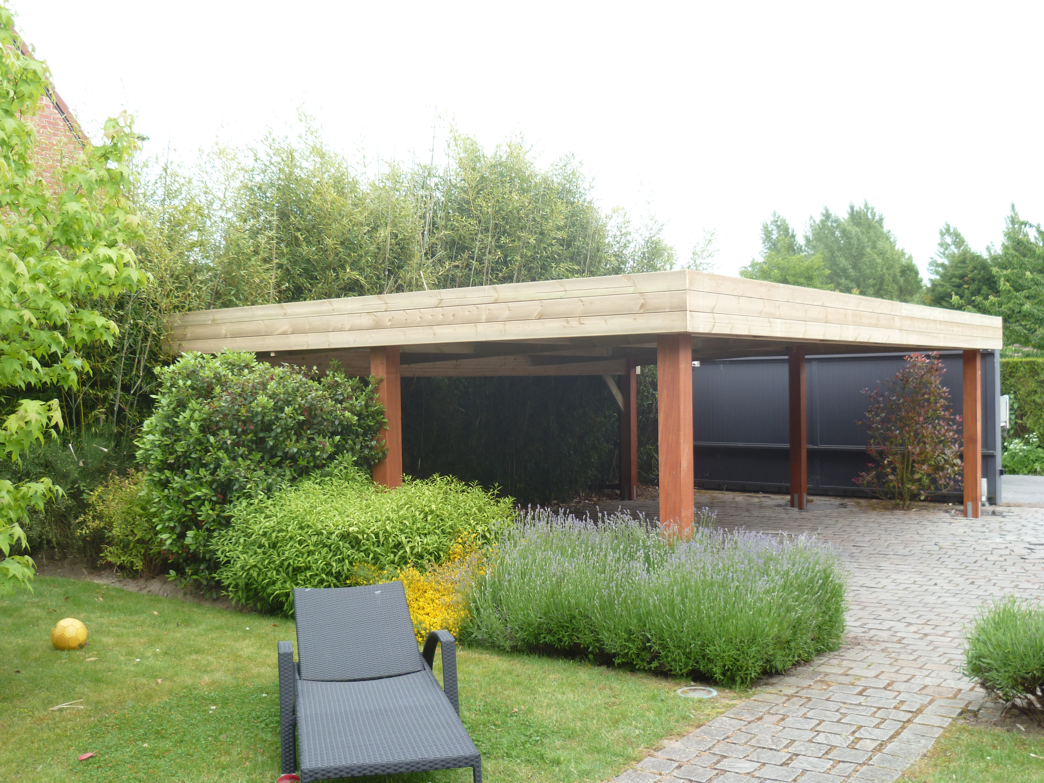 Emejing Abri De Jardin Toit Plat Beton Ideas - House Design ...