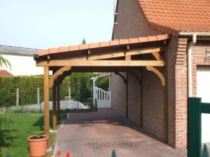 carport avec toiture en tuile