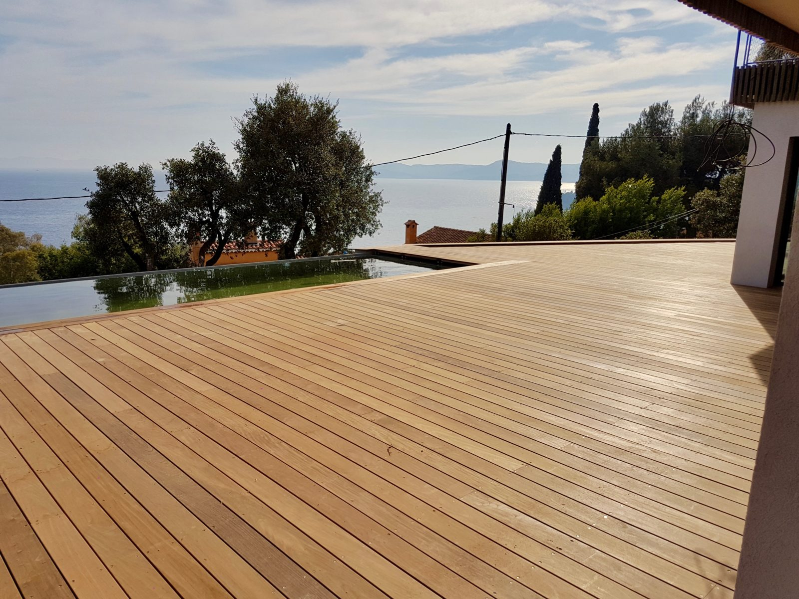 Comment choisir les matériaux de terrasse en bois?