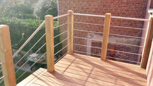 Comment aménager une terrasse en bois sur un balcon?