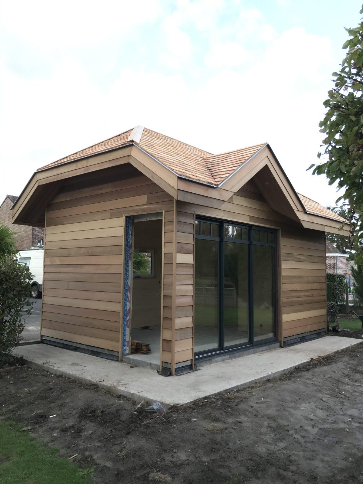Comment installer un chalet en bois dans son jardin ?